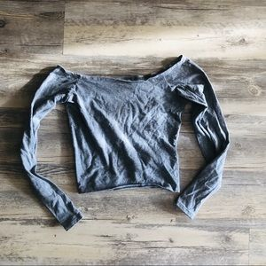 Abercrombie • off the shoulder long sleeve crop
